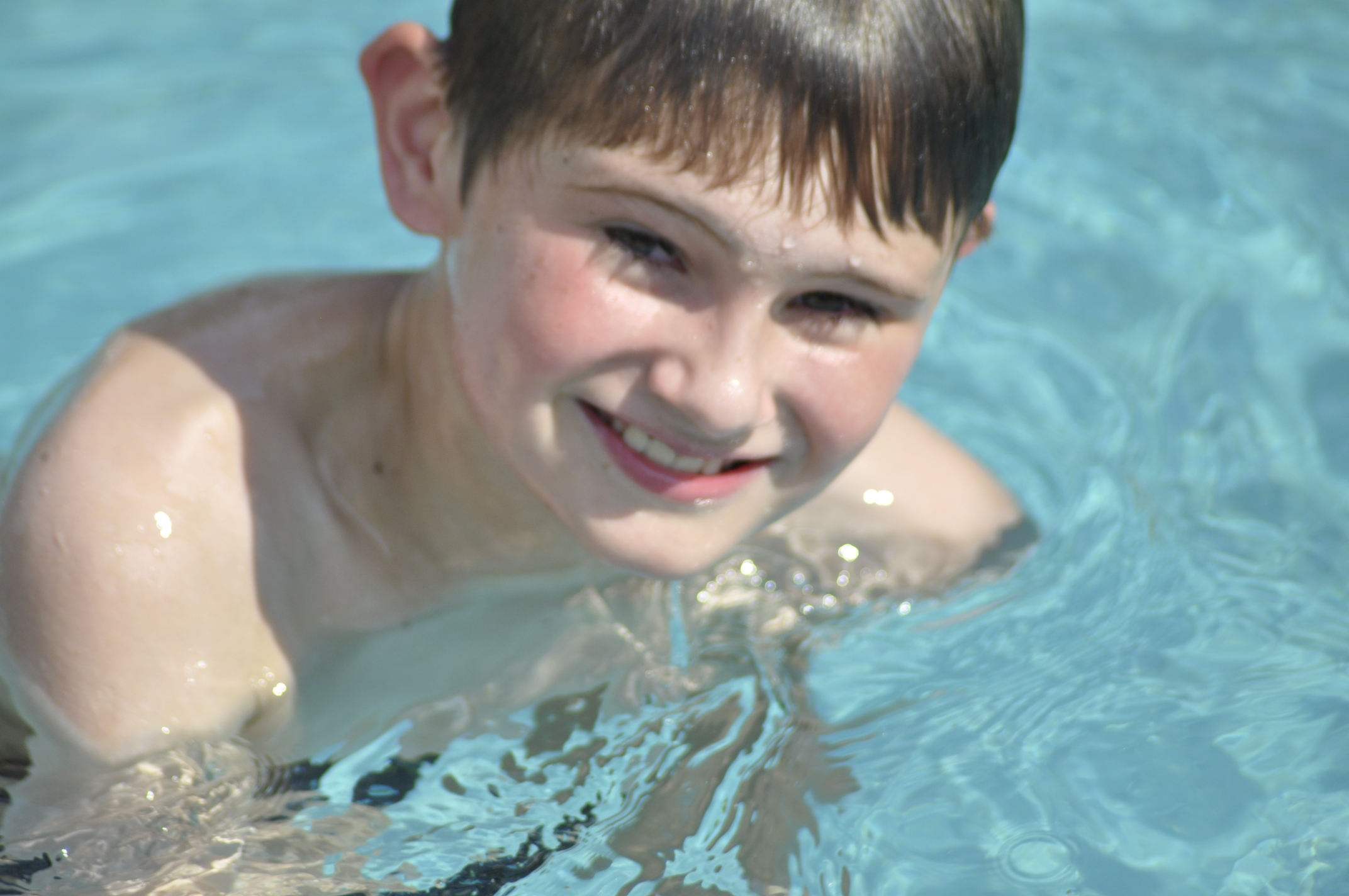 Ici nos prix la bonne piscine charente maritime for Piscine coque polyester charente maritime