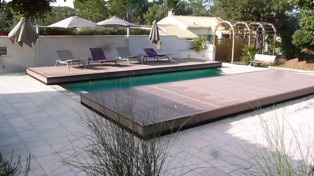 vente de piscines coques en charente maritime acheter avec nous. Black Bedroom Furniture Sets. Home Design Ideas
