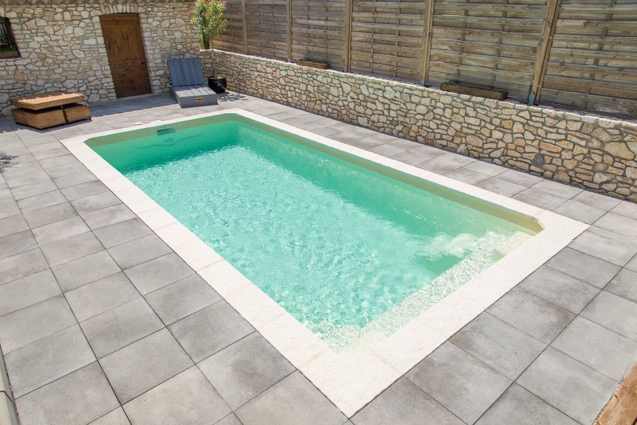 mini piscine coque 17